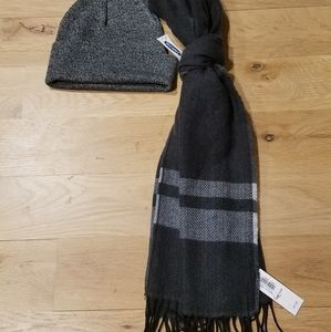 Old Navy Men's Scarf and Hat Buddle